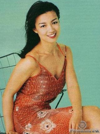 ming-na-foto-golaya