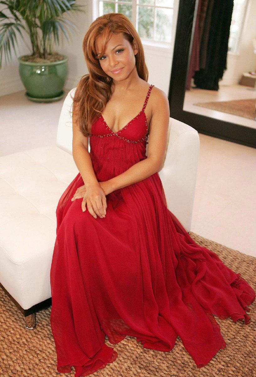 Рыжие девочки в красном платье 2 фотография