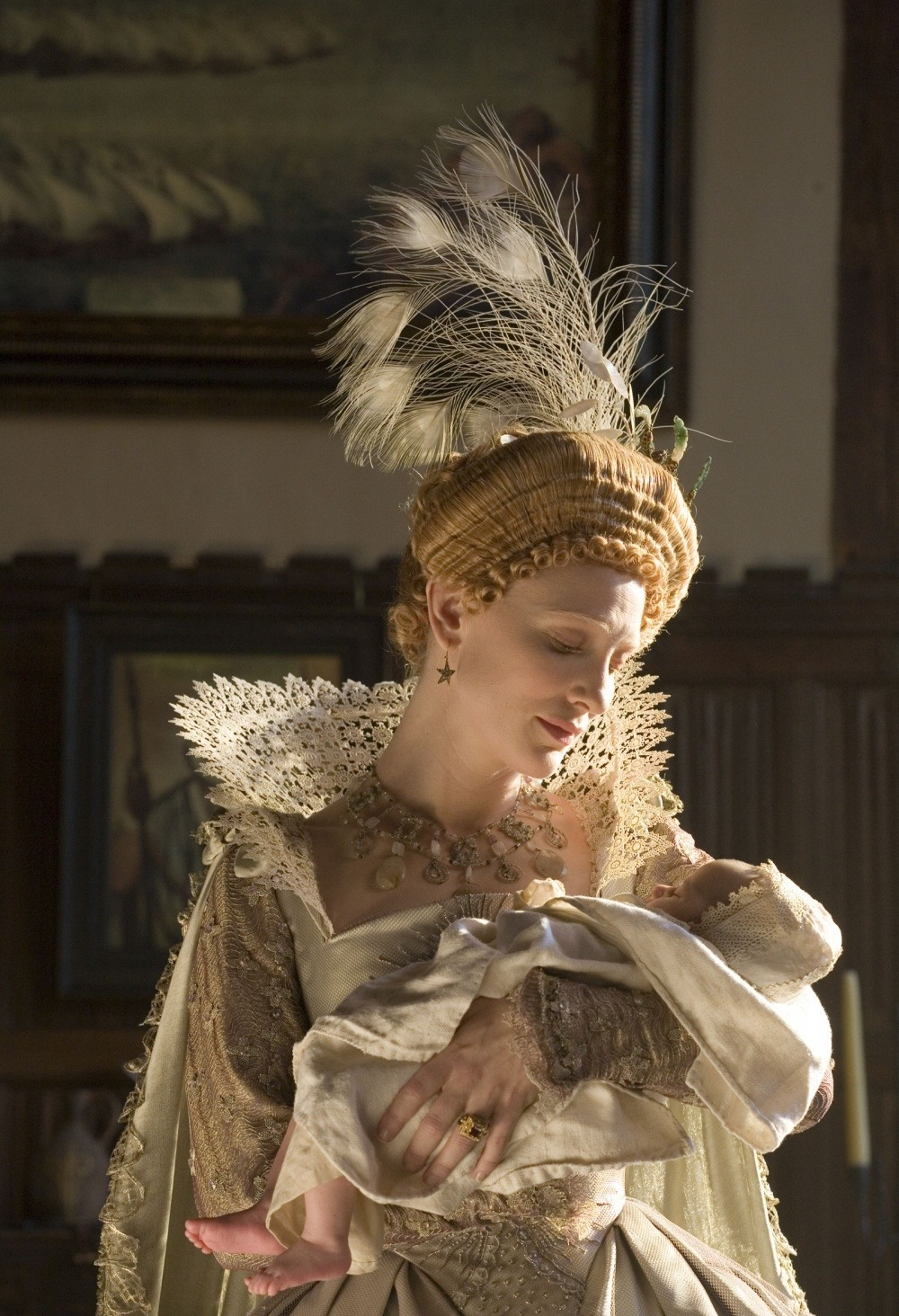 queen elizabeth golden age Elizabeth: the golden age queen elizabeth's to the critically acclaimed 1998 biopic elizabeth that explores the 16th century romance.